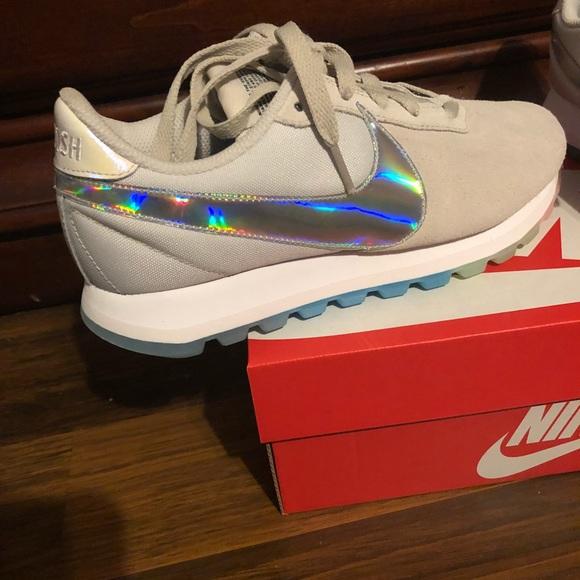92def46e20f931 Nike women s Pre love O.X. Rainbow 🌈 shoes 6.5. M 5b85e50234e48a28f840f3f9